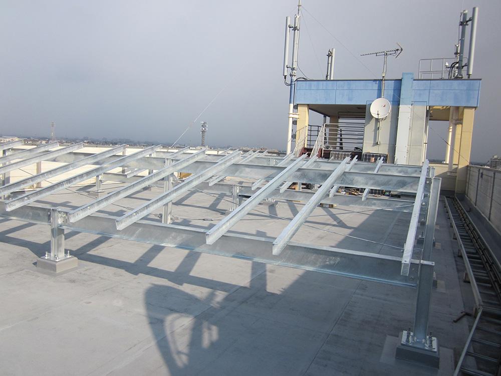 屋上ソーラー発電所施工