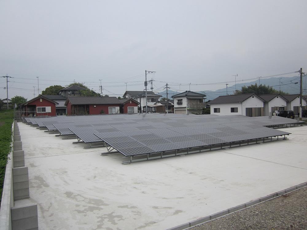 ソーラーパネル発電所